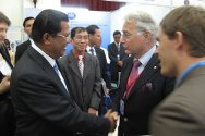 ICRC Vice President Olivier Vodoz shakes hands with Cambodia's Prime Minister Hun Sen at the opening of 11MSP.