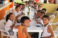 The ICRC has built and opened a school canteen in the San Vereda district of the town of El Retorno in Guaviare department.