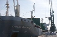The Oslo Bulk 3 prepares to sail for Côte d'Ivoire, carrying 4,000 tonnes of lime for treating drinking water.