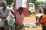 Department of Bangolo. ICRC distribution of essential supplies in the village of Diéou Zibiao.