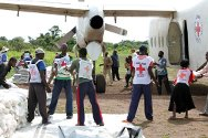 DRC, Orientale province, Bas-Uélé district. The ICRC and Congolese Red Cross unload seeds and tools to distribute to thousands of people.