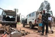 Bukavu. Electrical workers from SNEL (Société Nationale d'électricité) load materials into ICRC vehicles that will head to Goma to repare power supply points in the city.