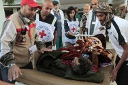 Lybia, Sirte, Ibn Sina Hospital. The ICRC and the Libyan Red Crescent evacuate a patient.