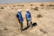 Missan. ICRC weapon contamination specialists remove unexploded ordnance in areas where civilians are at risk.