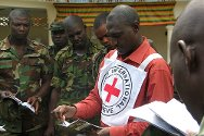 Nigeria, November 2011. An ICRC field officer explains the basic rules of international humanitarian law (IHL) to Nigerian Army personnel.