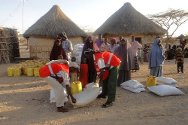 Somalia. Gedo Region, Burdhubo. The ICRC prepares a food distribution with the support of Somali Red Crescent Society volunteers.