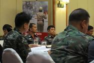 The workshop was an opportunity for operational-level police officers to exchange their views and interact with colleagues from the army. ICRC staff stressed how important it was for officers to exercise their powers with care in delicate situations.