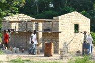 Tinhou (Guiglo), Côte d'Ivoire. Rebuilding work advances.