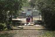 In addition to the 400 permanent residents of Las Perlas, the 90 pupils and teachers of the local school suffered because of water shortages.