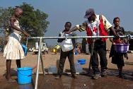 A water distribution point put in place by the ICRC for the displaced sheltering near the airfield in Ndélé (northern CAR).