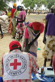 May 2013. ICRC staff distributed food and other items to over 4,000 displaced people in Jonglei state