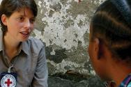 An ICRC delegate interviews a detainee.