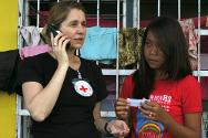 The Philippine Red Cross and the ICRC have been helping the population of Samar and Leyte Islands inform their relatives that they survived.