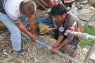 The ICRC and the Philippine Red Cross set up distribution stations and delivered water by road in Cateel and Baganga, benefiting some 18,000 people in 14 communities between December 2012 and mid-April 2013.