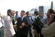 Turkish citizens arriving in Khartoum after their ICRC-facilitated release in Darfur.