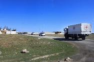 An ICRC convoy on its way to deliver medical supplies to Manbij, an opposition-controlled area of Aleppo.