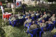 An ICRC delegate briefs members of the DRC armed forces on protection of civilians during armed conflict.