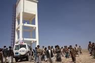 In many rural parts of Yemen, the ICRC repairs entire water networks, providing a sustainable water supply.