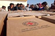 Rahalliya. ICRC distribution of food and essential items to people fleeing the violence in Anbar province.