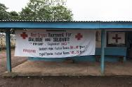 The tracing booth is at the entrance of the camp. Young people and Red Cross volunteers prepared a banner for the event.