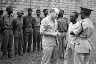 An ICRC delegate visits prisoners of war in Biafran hands.