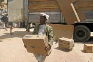 People who have fled from Amran to Madaa received plastic sheeting, plus enough food and hygiene items for a month.