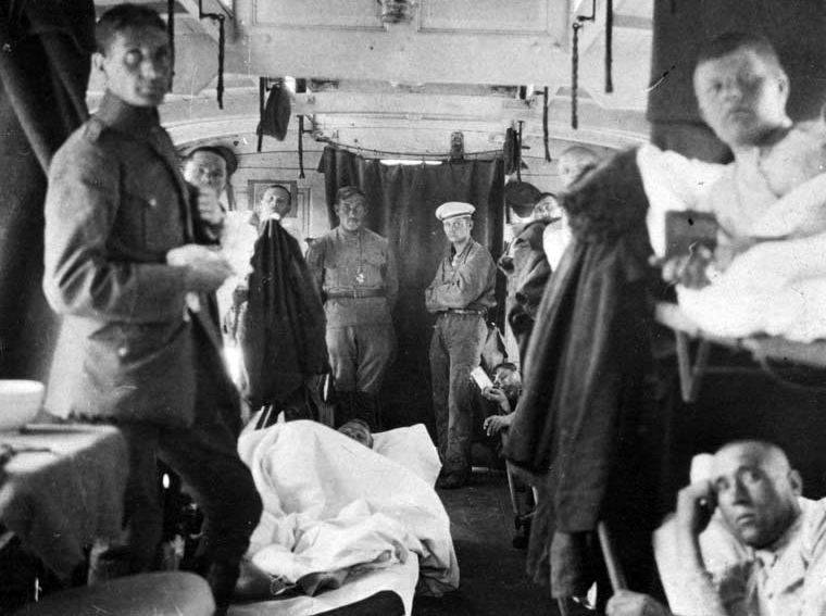 Havelburg. Russian prisoners of war repatriation. ICRC hospital-train