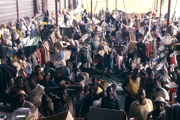 Gitamara, Rwanda, 1996. Following the 1994 massacres, tens of thousands of people accused of having been involved in the killings were incarcerated, in conditions made particularly difficult by overcrowding. The ICRC visited the prisons regularly, made representations to the authorities on a number of occasions, and provided wide-ranging assistance.