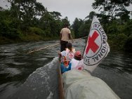 An ICRC team travels by canoe up the river Ispí to visit the municipality of Roberto Payan (Nariño). The ICRC helps the resident population affected by the conflict through agricultural and basic sanitation projects.