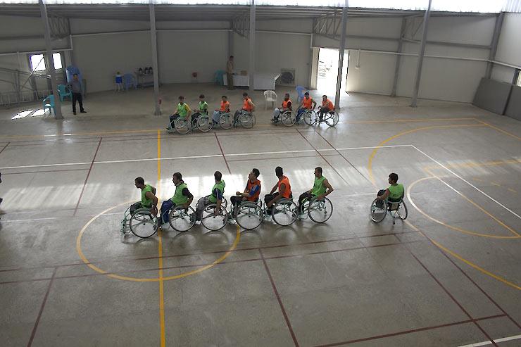 Afganist n jugadores de baloncesto en silla de ruedas for Basketball en chaise roulante