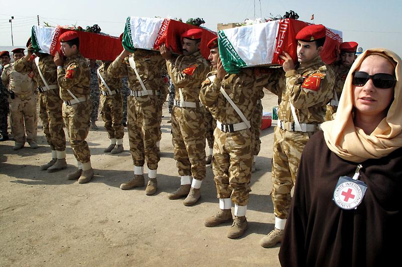 Irán-Irak: sin noticias de miles de personas desaparecidas ...