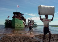 Relief operation for people who have returned to their homes on the shores of Lake Upemba