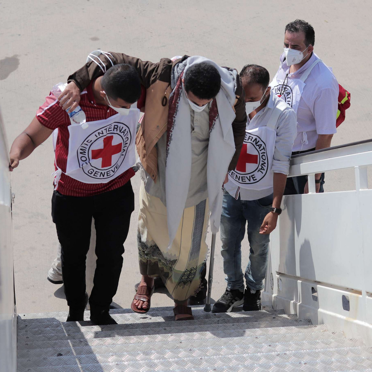 Yemen conflict: the detainee transfer that builds hope for the future |  International Committee of the Red Cross