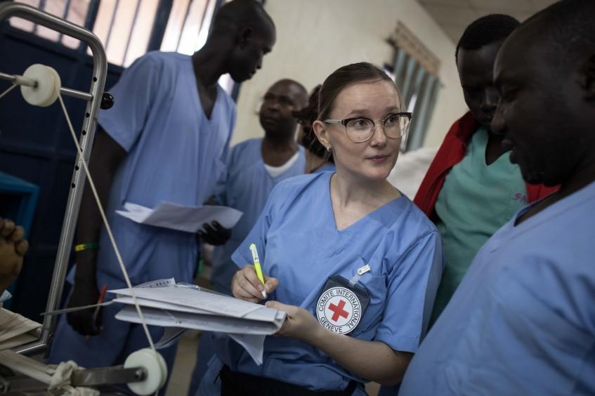 Brasileira é a única cirurgiã de trauma no Sudão do Sul