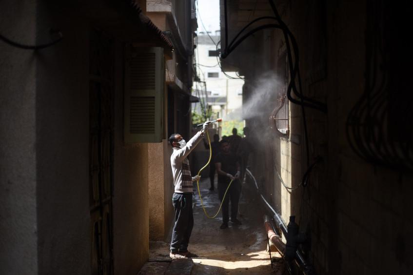 مؤثّرون فلسطينيون يتعاونون مع الصليب الأحمر/ الهلال الأحمر لمكافحة المعلومات المضلّلة عن كورونا