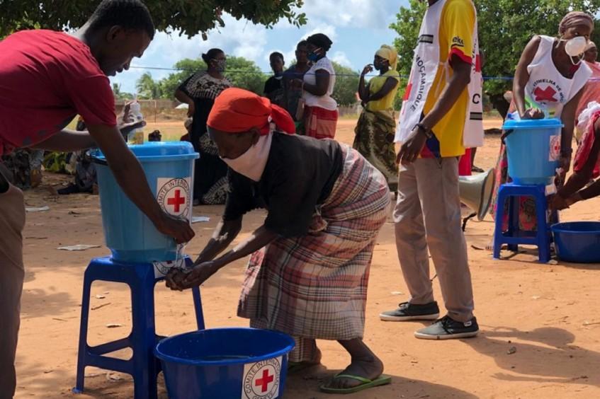 Moçambique: distribuição de artigos domésticos e higiene para deslocados pela violência em Cabo Delgado