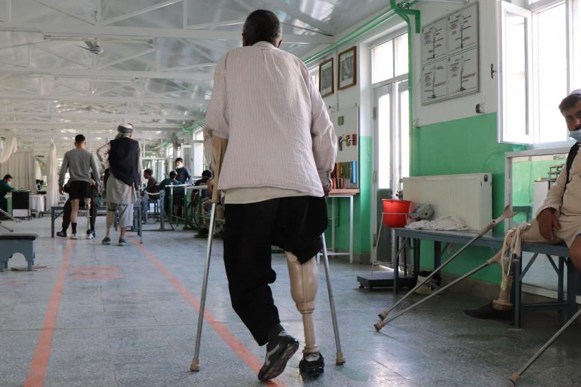 阿富汗:平民因暴力升级与新冠肺炎疫情而付出惨痛代价