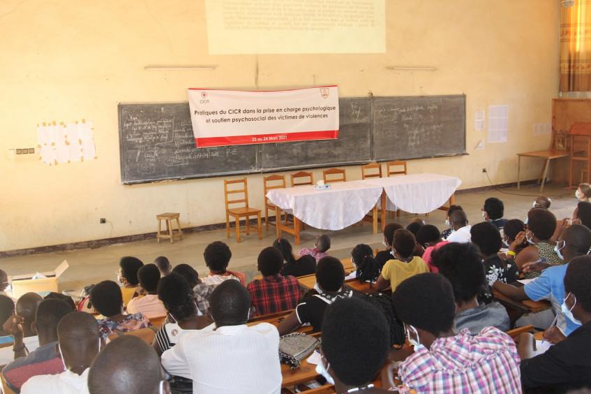 Au Burundi, le CICR partage ses pratiques dans la prise en charge psychologique des victimes des violences