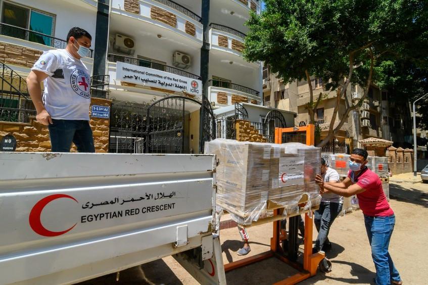 埃及:新冠病毒危机期间,红十字国际委员会为北西奈的医疗机构捐赠重要防护用品