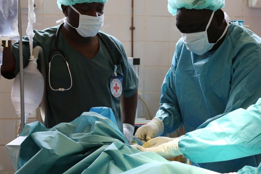 Une assistance médicale vitale fournie aux blessés de guerre dans la région de Diffa