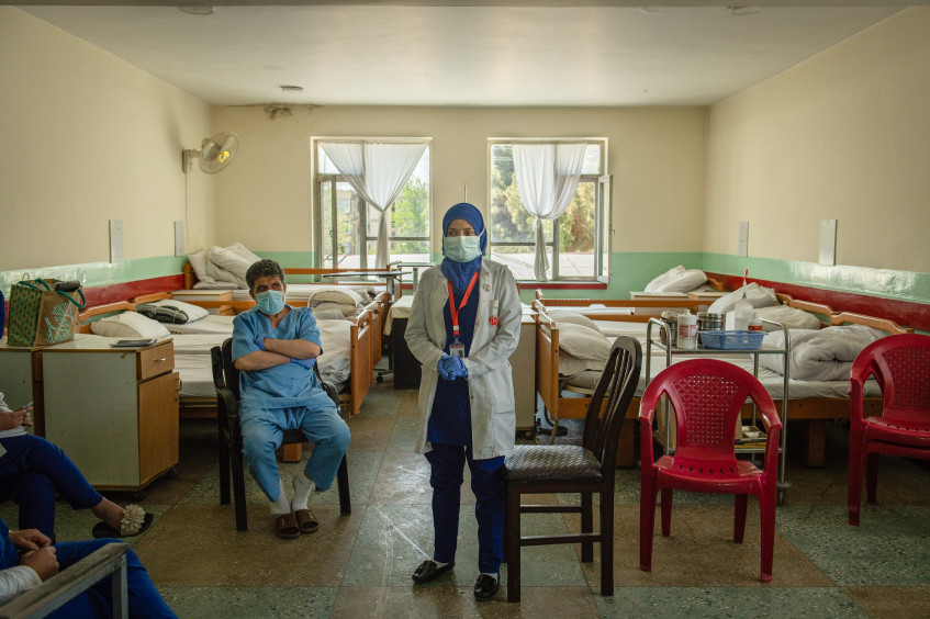 Рост насилия в отношении медработников в разгар COVID-19 угрожает жизни миллионов