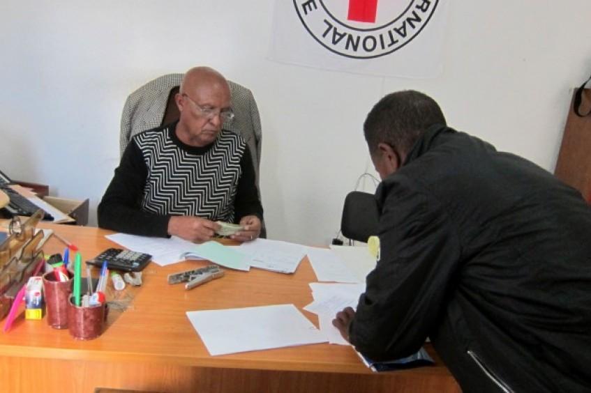 厄立特里亚:18年后,父亲终于找到了失散多年的儿子