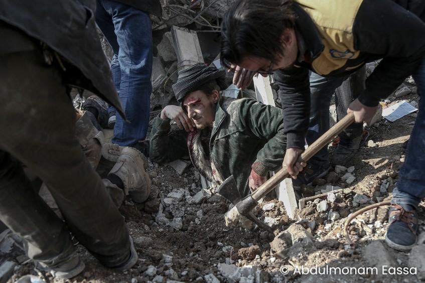 Ein junger syrischer Fotograf, der für seine Arbeiten über die humanitären Folgen der Kämpfe in Ost-Ghouta ausgezeichnet wurde.