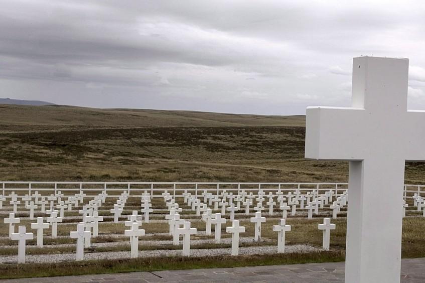 Falkland/Malvinas Inseln: Arbeit zur Identifikation argentinischer Soldaten geht zu Ende.