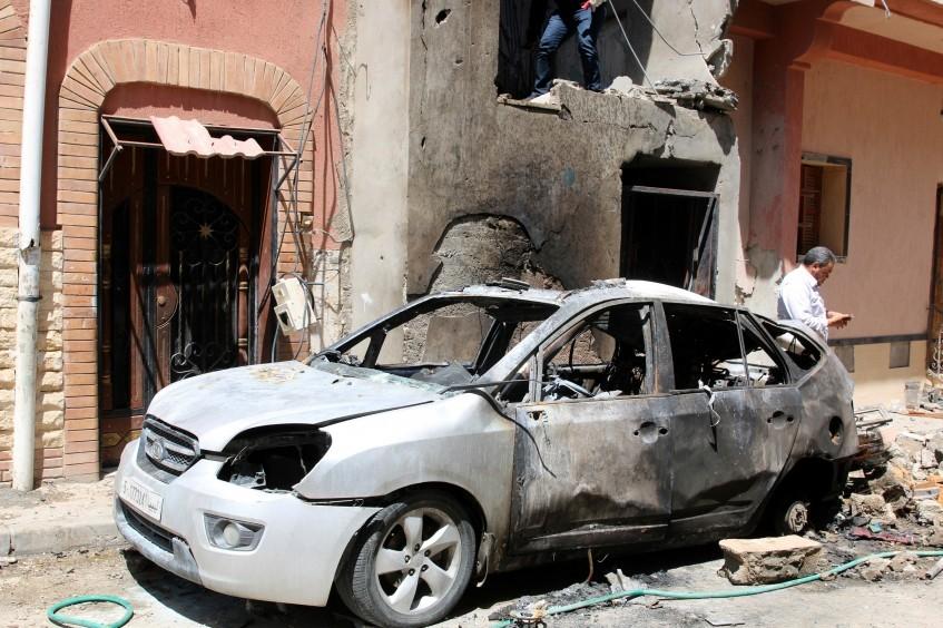 利比亚最新行动动态:暴力愈演愈烈,迫使数千民众背井离乡