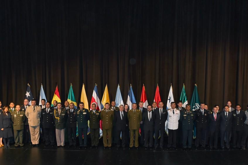 Autoridades policiales de A. Latina debaten buenas prácticas, DDHH y prevención del delito