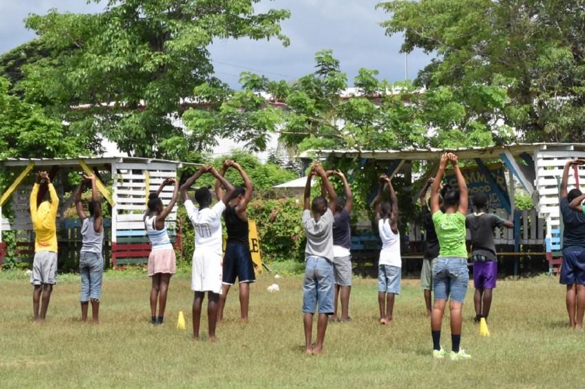 Jamaica: educación para reducir el impacto de la violencia