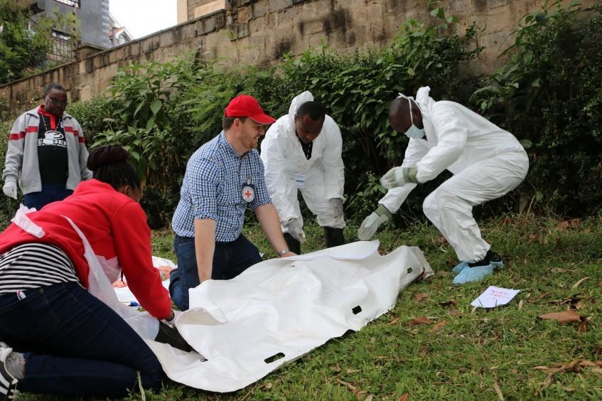 肯尼亚:红十字国际委员会为第一反应者提供遗体管理培训