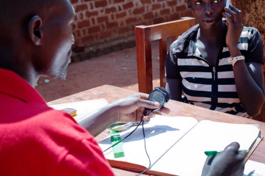 Quênia / Tanzânia / Djibuti: refugiados fizeram 241 mil telefonemas para familiares em 2015