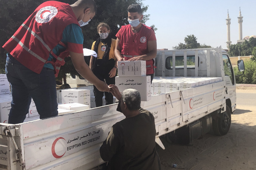 埃及:红十字国际委员会、埃及红新月会为深受新冠肺炎疫情影响的家庭提供人道援助